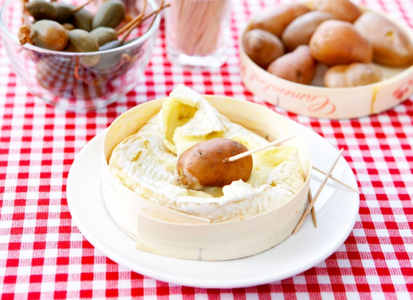 Geroosterde camembert in warm doosje